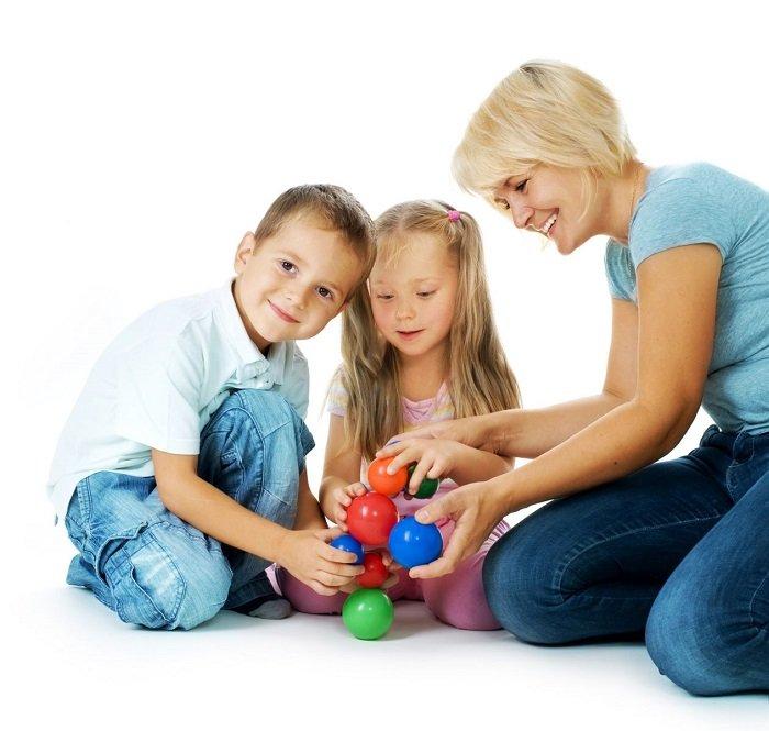 Активні ігри в компанії дітей