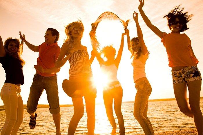 С Днем Молодежи - поздравления для друзей