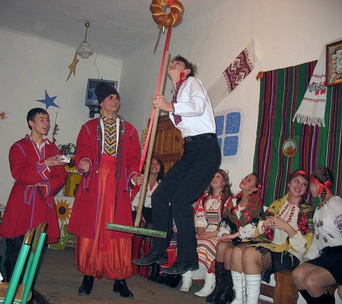 Андреевские вечерницы — веселая забава!