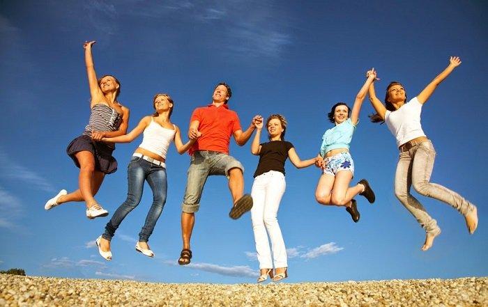 Поздравление с Днем молодежи - смс, стихи