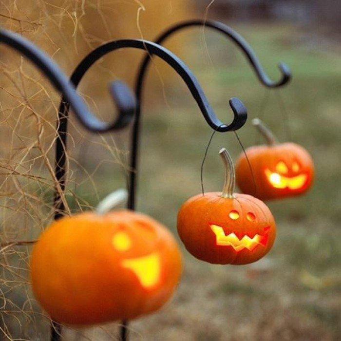 Хэллоуин. Оформление праздника. Светильники из тыков.