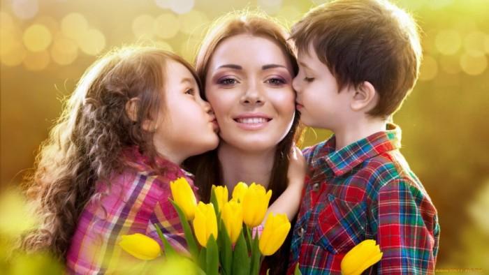 Вірші на День матері