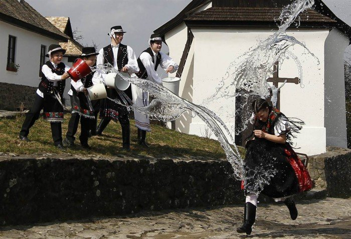 як святкують Великдень в Польщі