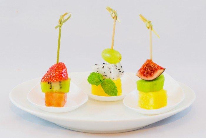 Блюда для детского дня рождения - сладкие канапе