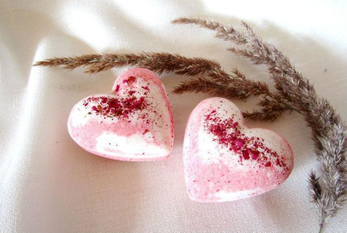 Бомбочки для ванны сердечки