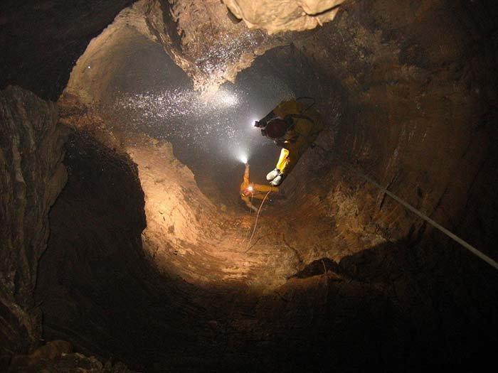 Печера Крубера-Вороняча — найглибша печера в світі, фото 15