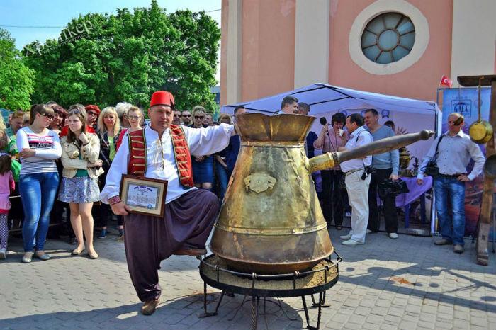 Куди поїхати на травневі свята в Україні?