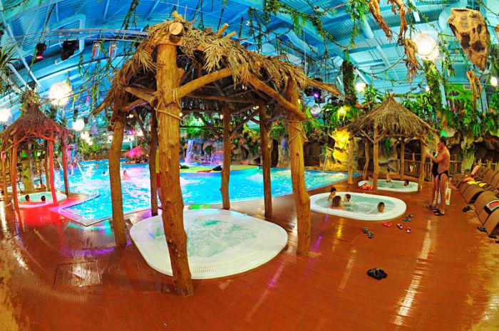 київський аквапарк в Dream town