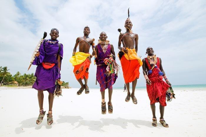 Необычные и оригинальные приветствия в разных странах мира - фото 4