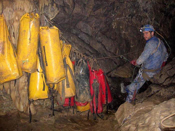Печера Крубера-Вороняча — найглибша печера в світі, фото 13