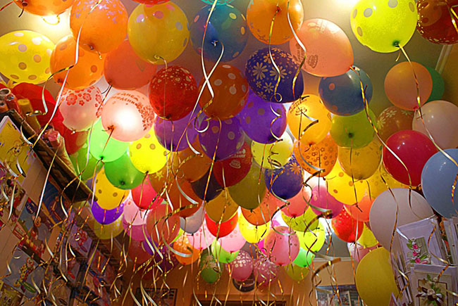 Надуть летающий шарик в домашних условиях 997