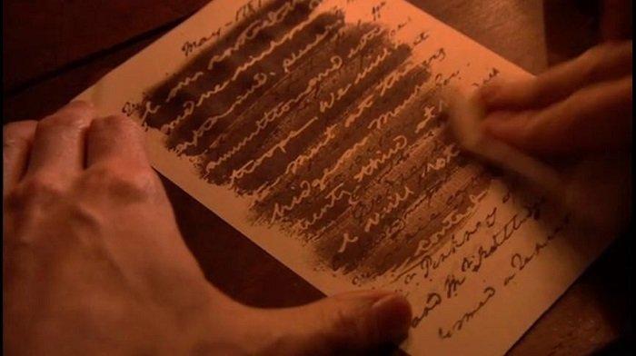 Невидимий напис на папері
