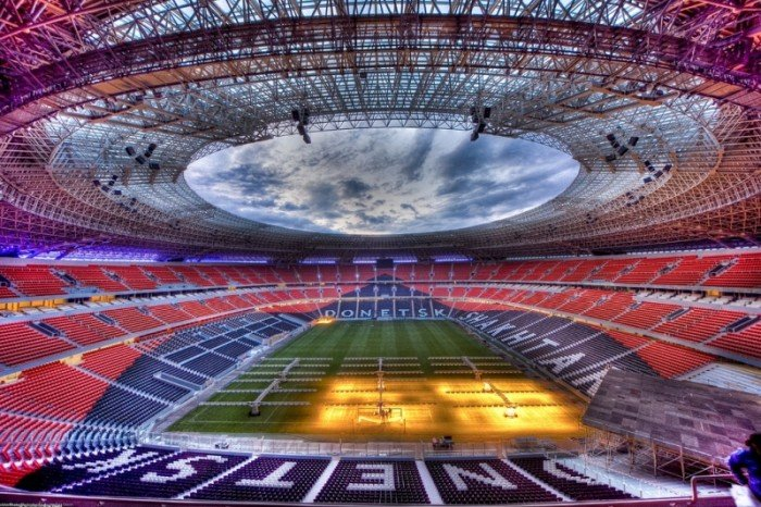 Найбільші стадони Європи для футболу - Україна