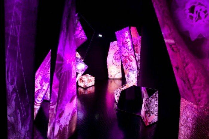 Музей Сваровскі в Австрії, фото - кришталевий лабіринт