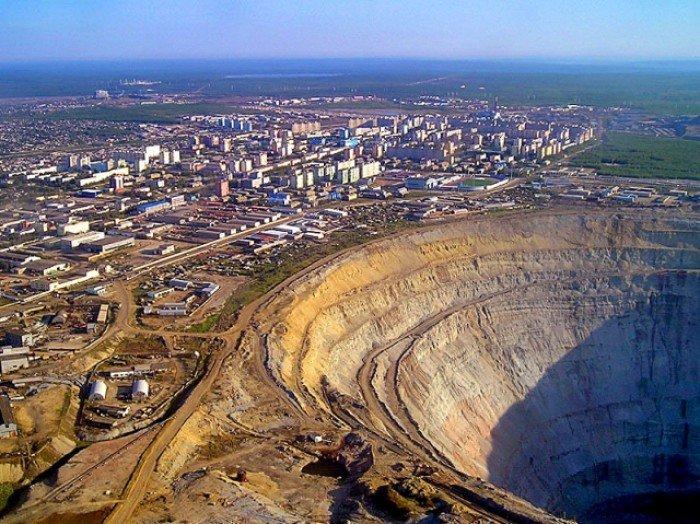 Алмазный карьер, Мирный (Якутия) - фото 1