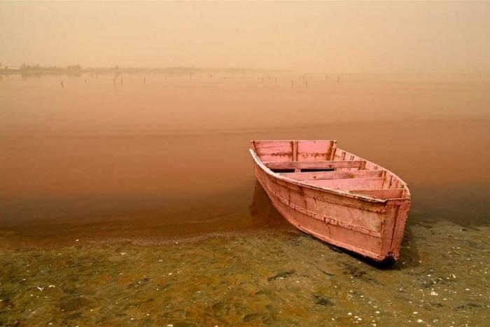 Розовое озеро Ретба (Сенегал) фото 1