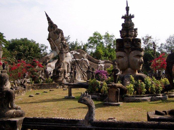 Самые красивые парки мира - Парк 200 Будд, Лаос