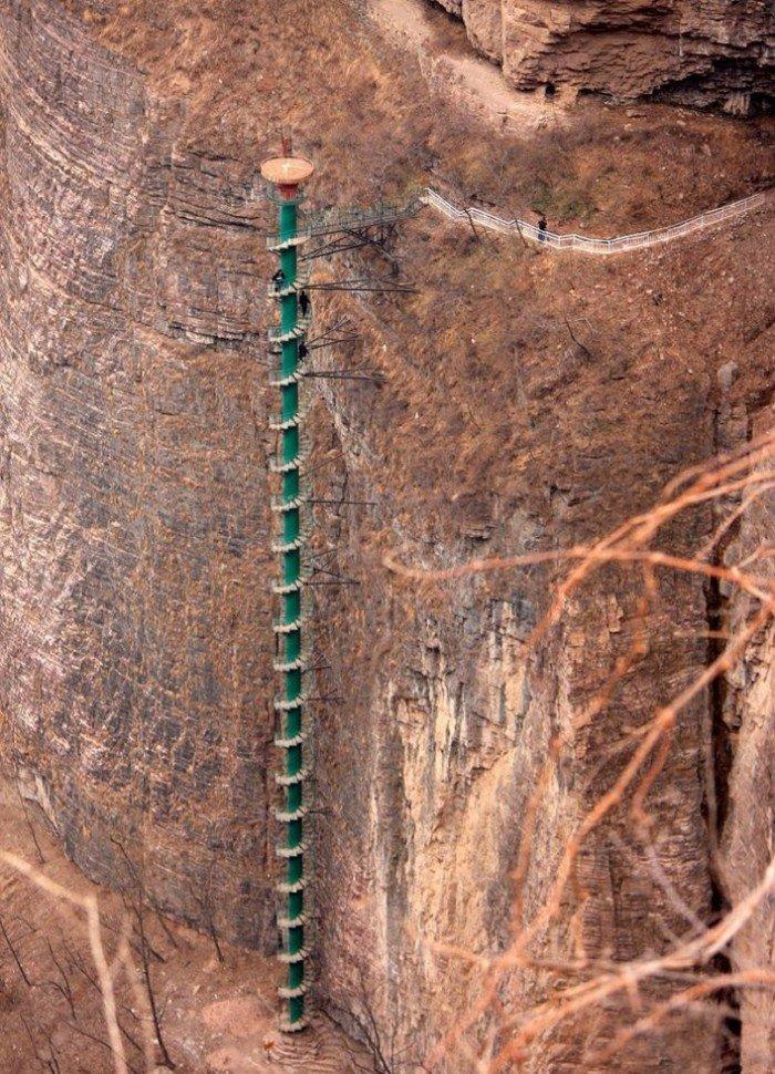 Известные лестницы мира. Необычная лестница в Китае