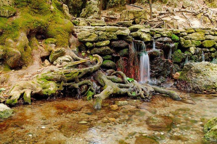 Місця в світі, де загадують бажання - Сім джерел острова Родос, Греція