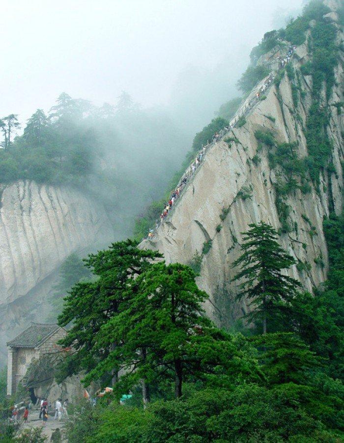"""""""Тропа смерти"""" в Китае - самая страшная тропа в мире. Фото 10"""