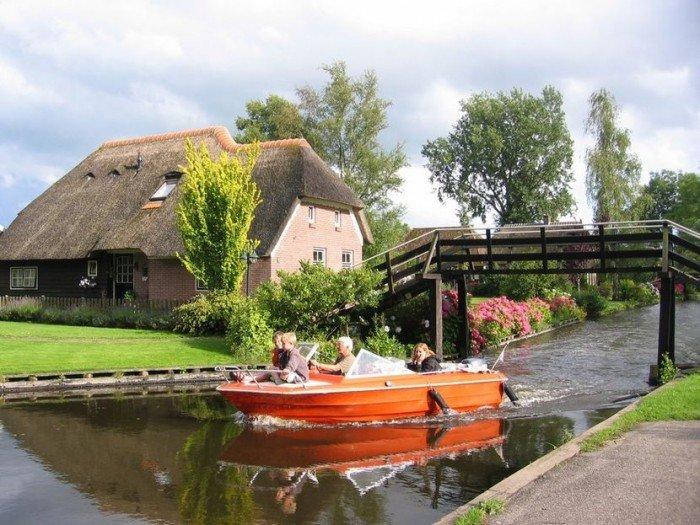 Гитхорн в Голландии - деревня, где нет дорог. Фото 4