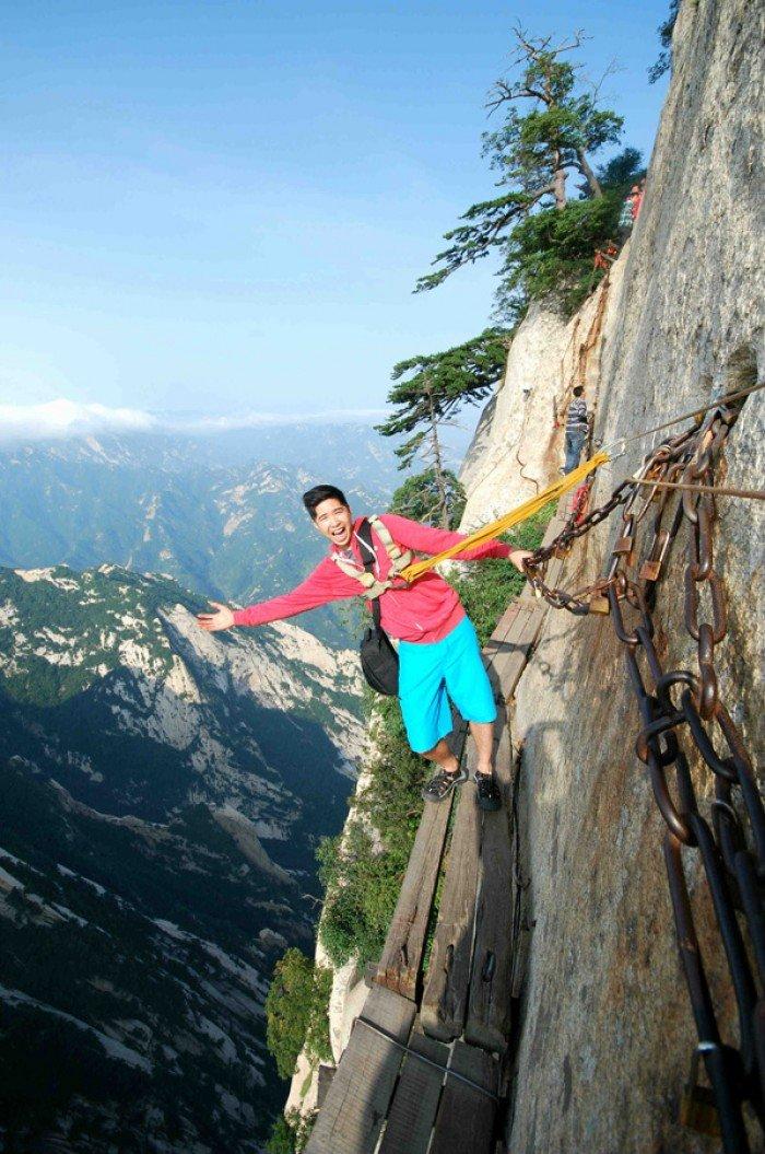 """""""Стежка смерті"""" в Китаї - найстрашніша стежка в світі. Фото 13"""