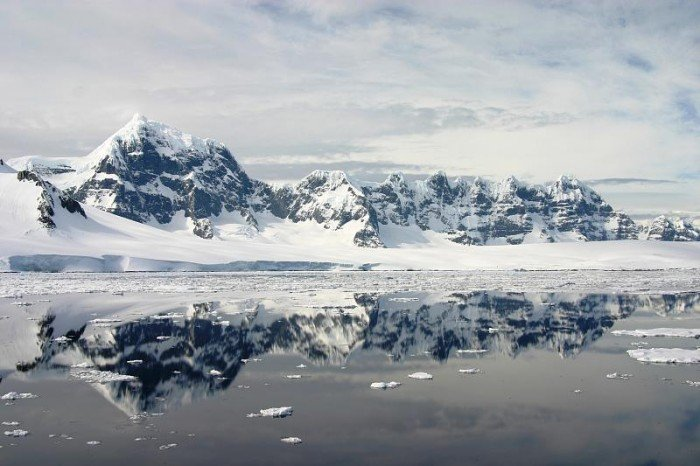 Цікаві факти про Антарктиду - айсберг В-15
