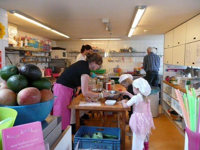 Незвичайний ресторан у Амстердамі - дитяче кафе «Kinderkookkafe», фото 6