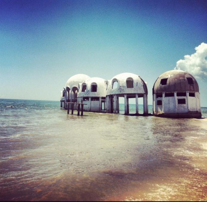 Заброшенные и таинственные места Земли, фото - Заброшенные купольные дома в юго-западной Флориде