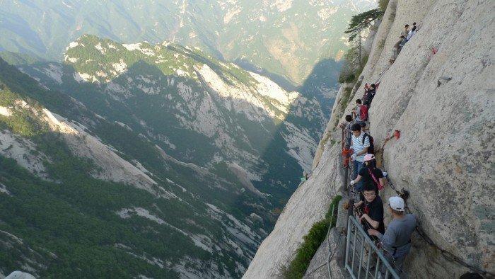"""""""Тропа смерти"""" в Китае - самая страшная тропа в мире. Фото 7"""