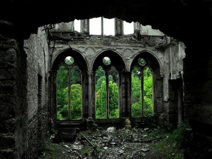 Заброшенные и таинственные места Земли, фото - Зал Хафодунос в Ллангерниве, Северный Уэльс