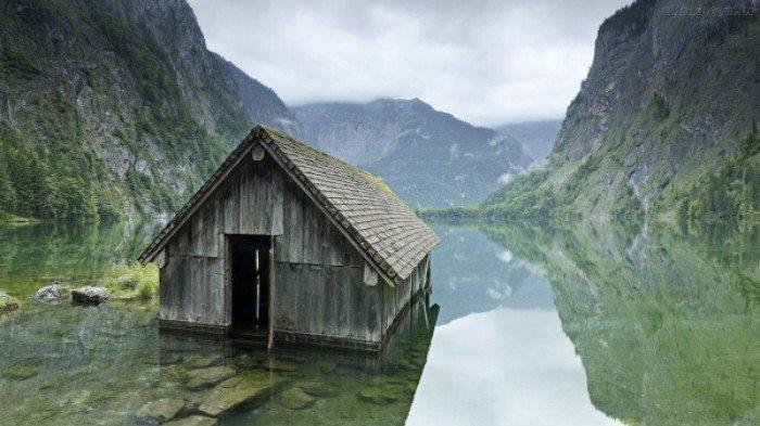 Красиві покинуті місця світу, фото - Рибальська хижа на озері в Німеччині