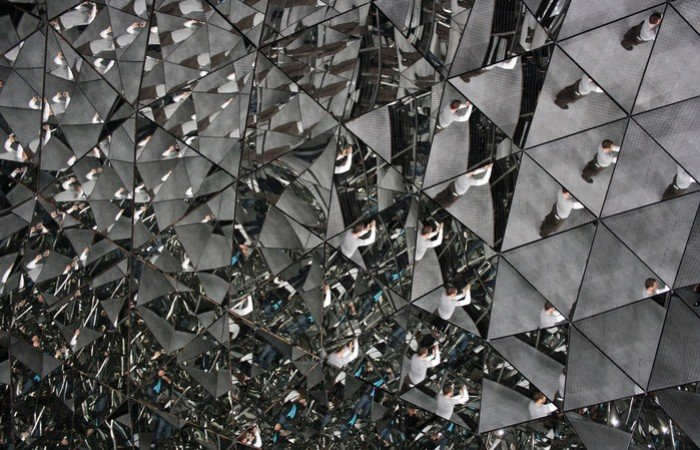Музей Сваровскі в Австрії, фото - кімната кристал