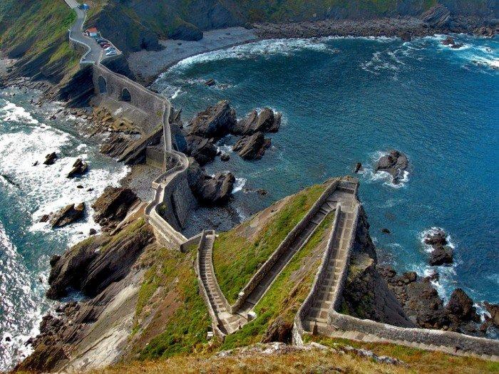 Известные лестницы мира. Необычная лестница в Испании