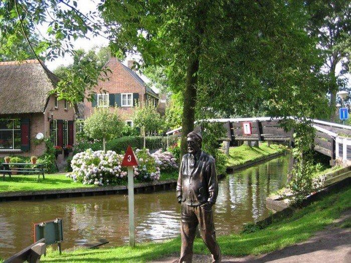 Гитхорн в Голландии - деревня, где нет дорог. Фото 6