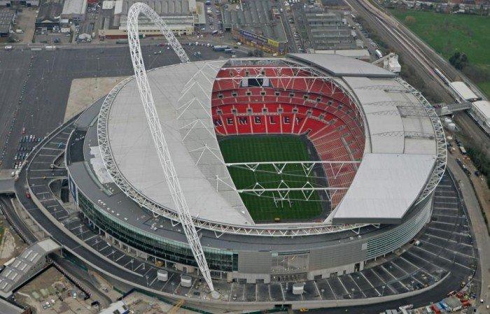 Найбільші стадони Європи для футболу - Англія
