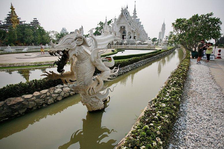 Білий храм у Таїланді