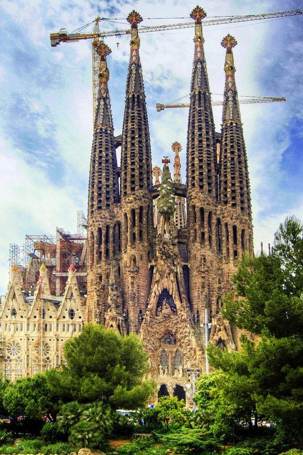 Церква Святого Сімейства в Барселоні
