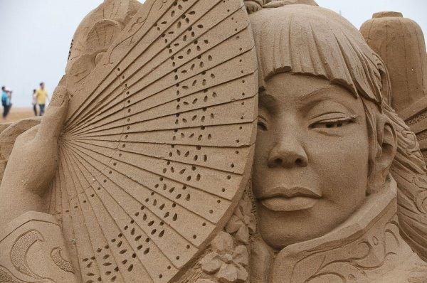 Фестиваль песчаных фигур в Японии.