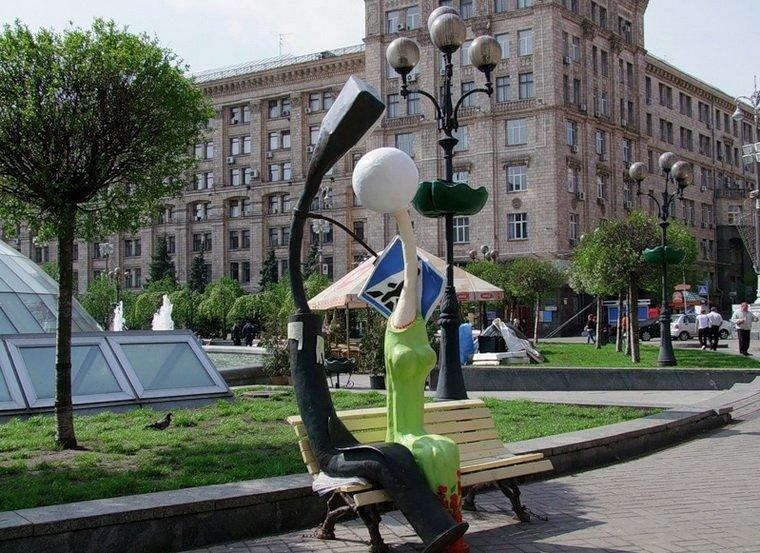 Пам'ятник закоханим ліхтарям (Київ)