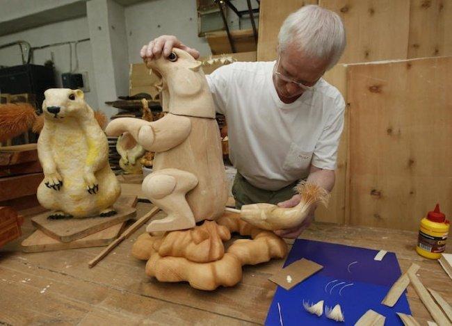 Скульптури зі стружки Сергія Бобкова