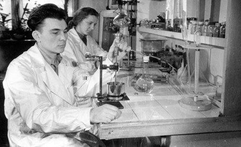 Лабораторія фарб на кіностудії