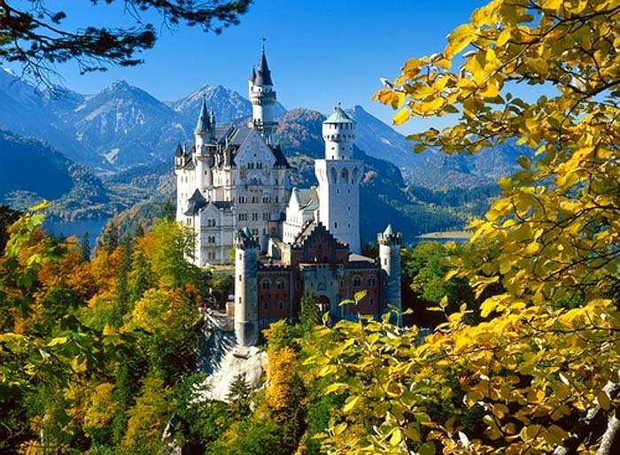 Самые красивые замки. Необычные названия замков.