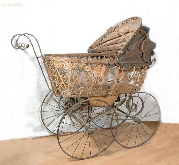 Перші дитячі коляски