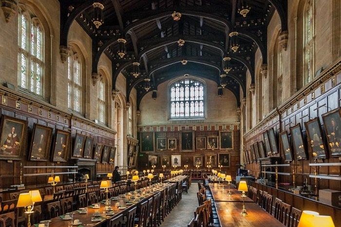 """Місця, де знімали """"Гаррі Поттера"""" - зал Хогвартсу"""