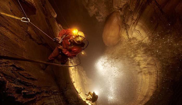 Печера Крубера-Вороняча — найглибша печера в світі, фото 3